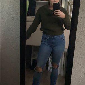 Turtle neck crop sweater